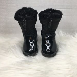 Totes black winter baby boots size 5